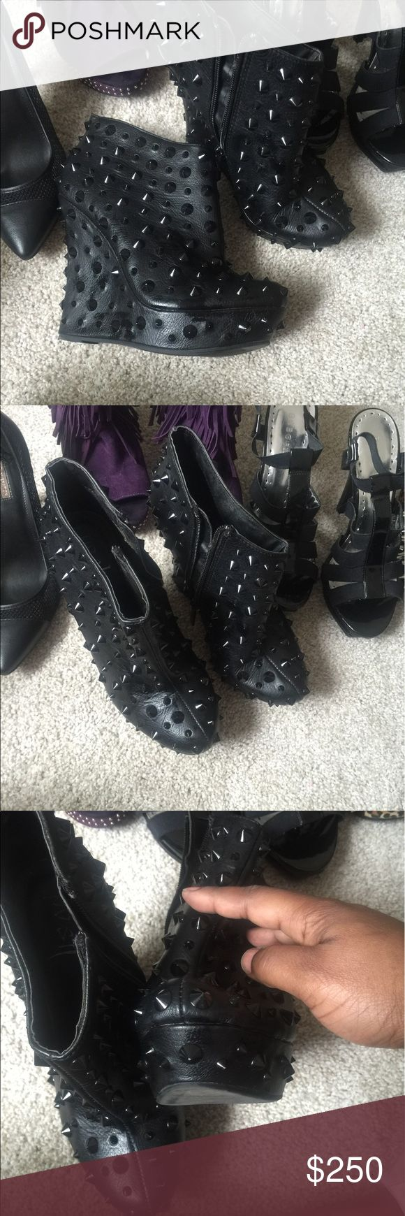 SPIKED HEEL ANKLE WEDGE BOOTS 9M RARE FIND! STYLISH BOOTS SURE TO SET THE TREND! Shoes Ankle Boots & Booties