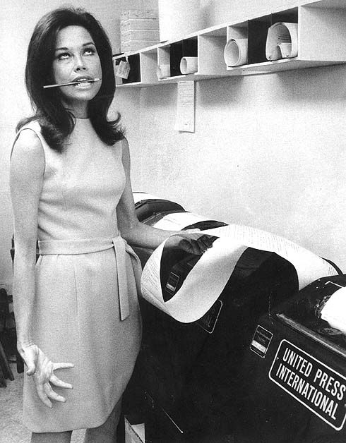 Mary Tyler Moore, 1970 She had some great looks back on the D.V.D. show.