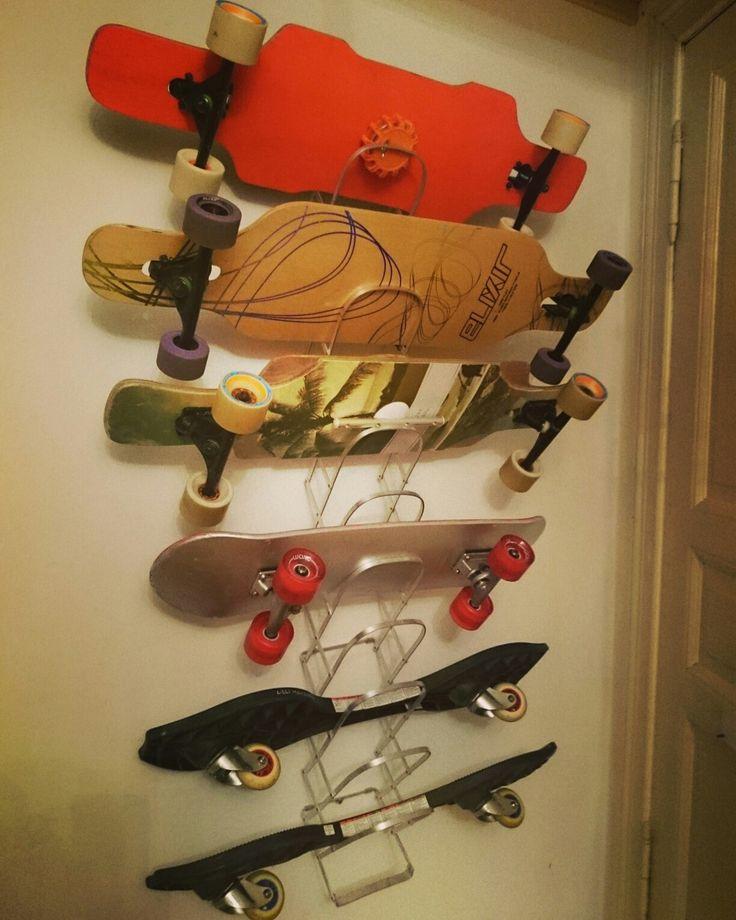 skateboard rack aus einer zeitungsablage collator von absolit zweckentfremdet von thorsten monschein - Skateboard Regal Kinder Schlafzimmer