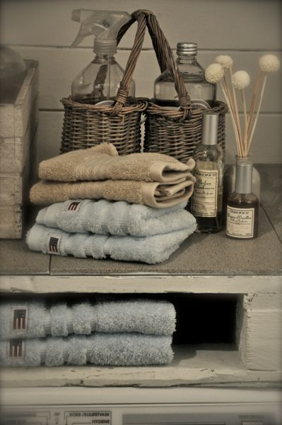 71 beste afbeeldingen over brocante badkamer op pinterest shabby chic badkamers klauw baden - Badkamer retro chic ...