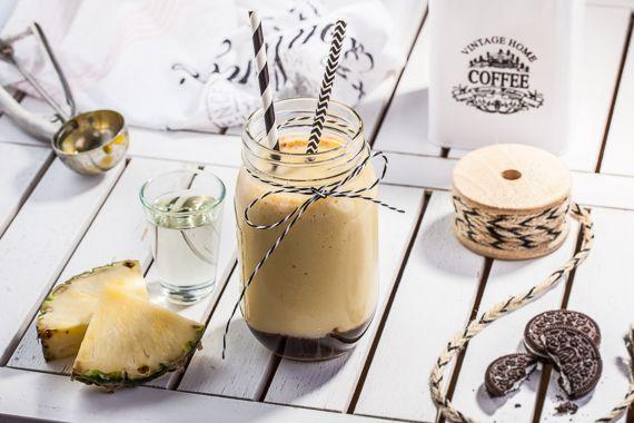 Tęsknisz za słońcem? Zrób sobie kawę według naszego przepisu! Poczujesz się, jak na plaży nie wychodząc z domu. :) #TchiboBLACK #TchiboWHITE