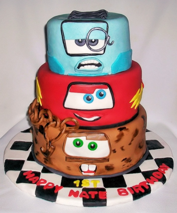 Cake Designs With Cars : 17 Best images about Disney Cars Cake Ideas on Pinterest ...