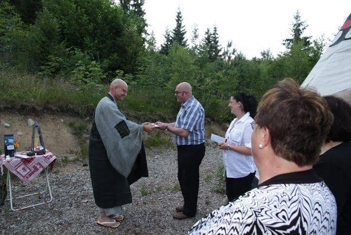 Dedication Ceremony  #Blessings #zen #temple #meditation #switzerland #zeremonie #hochzeit #beerdigung #digitalernomade #wandern #freietrauung #retreat #wedding #funeral #hiking #schweiz #gaywedding #ceremony #celebrant #digitalnomad #禅 #선 #스위스 #スイス #禅寺 #tempel