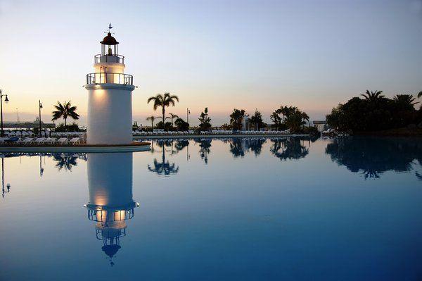 ¡Descubre al Parque Maritimo del Mediterraneo en Ceuta! Puedes recorrerlo en http://blog.viva-aquaservice.com/2013/05/09/descubre-el-parque-maritimo-del-mediteraneo-en-ceuta/