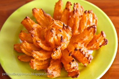 Petite Allergy Treats: Gluten Free Vegan Baked Blooming Onion