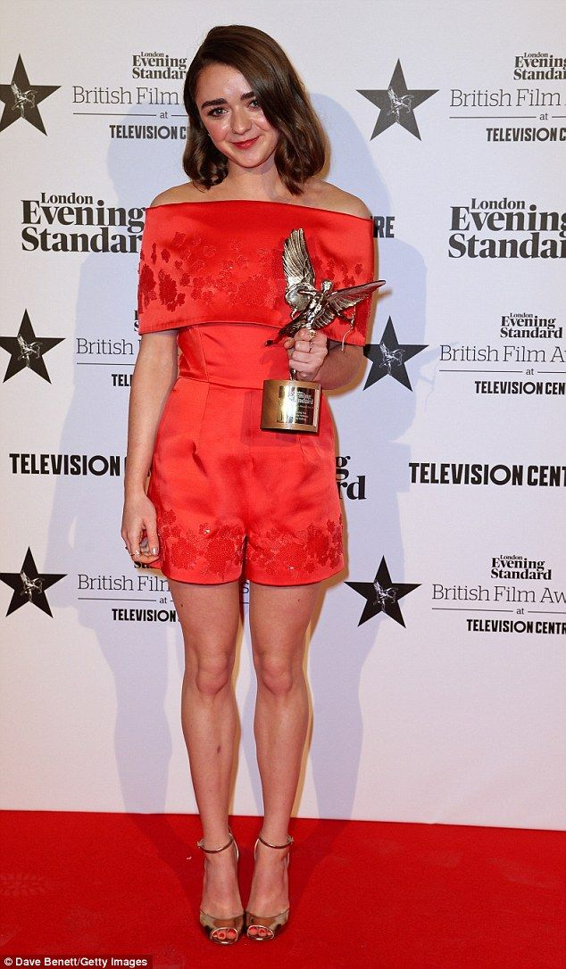 Maisie Williams won the Rising Star trophy for her role in The Falling rocked red at the Evening Standard British Film Awards on Sunday in London on Sunday (7-02-2016)