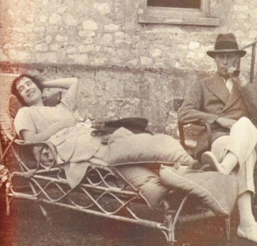 King George VI. and Queen Elizabeth, perhaps the most informal photo ever taken of this royal couple.