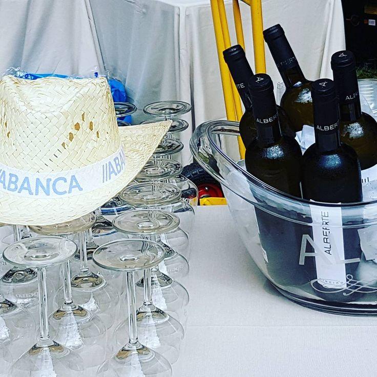 Con buen gusto y buen producto ni va se falla.... Alberte & marragastronomia & Abanca  #abanca #marragastromonia #alberte #ribeiro #galiciacalidade #madisorsl http://misstagram.com/ipost/1569715956368041407/?code=BXIwFh5lGW_