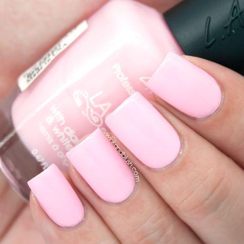 Red Nail Polish On Thumb: 15 Must-see Light Pink Nails Pins