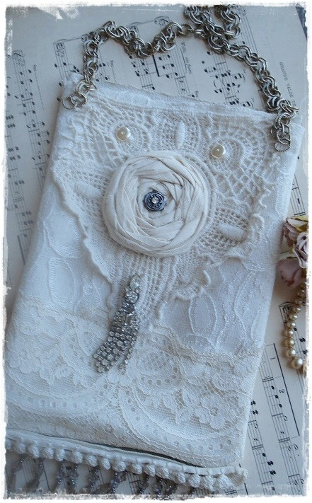 ~*Lovely Vintage Purse *~  by Marie of  Lost Bird Studio