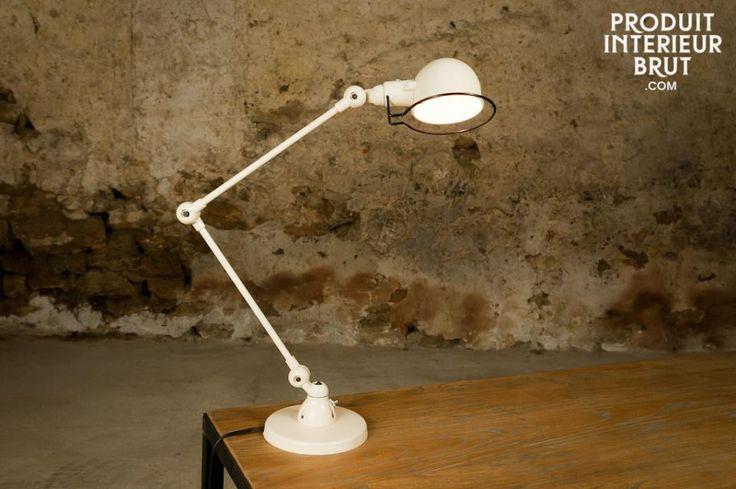 Lampada da tavolo Jieldé Signal Avorio. Lasciatevi incantare dalle linee semplici ma eleganti di questa lampada Jieldé Signal color avorio.