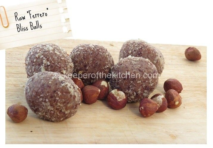 Raw hazelnut, chocolate, coconut & date treats
