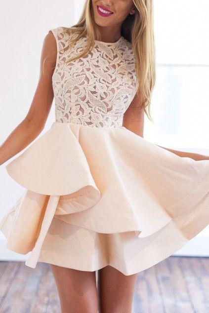 Kleid mit Spitzeneinsatz und Reißverschluss - aprikose