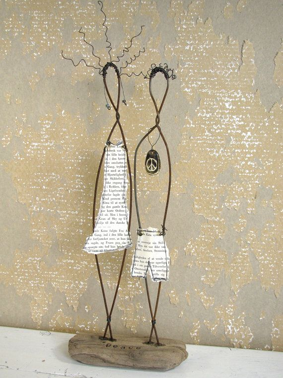 Peace Wire Couple Rustic House Decor on Driftwood by idestudiet