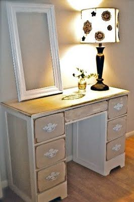 The Graphics Fairy - DIY: French Chic Painted Desk