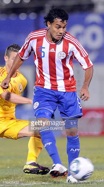 Paraguay's national football team player Ismael Benegas during their friendly match against Rumania in Asuncion on June 11 2011 AFP PHOTO/Norberto...