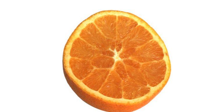 Lista de frutas cítricas . Encontradas en las regiones tropicales de la Tierra, las frutas cítricas son conocidas por tener muchos beneficios para la salud, desde un alto contenido de vitamina C hasta un alto poder desintoxicante. La mayoría de las frutas cítricas pueden ser consumidas tanto comiendo la fruta cruda como exprimiendo la fruta para sacar su jugo.