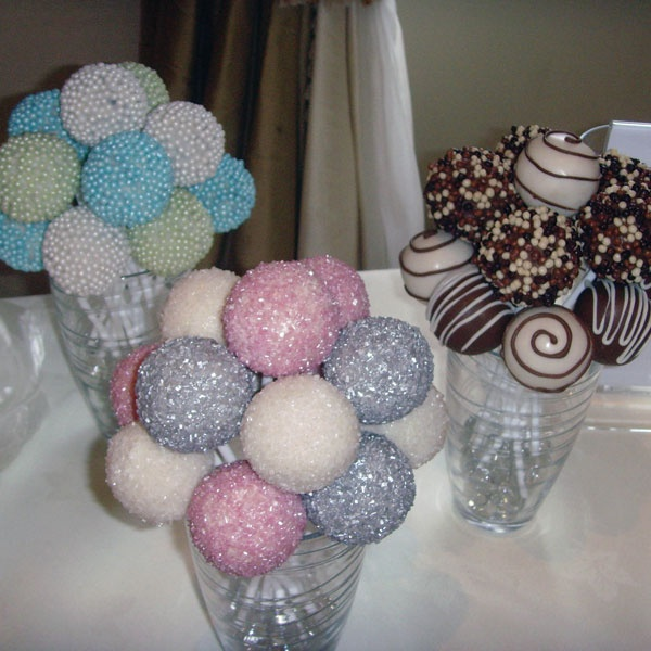 love this popcake display! - they ALMOST look too good to eat! lol