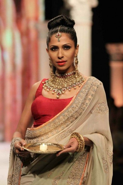 rk jewellers bridal set emerald ruby pearl at IIJW 2013 via IndianWeddingSite.com