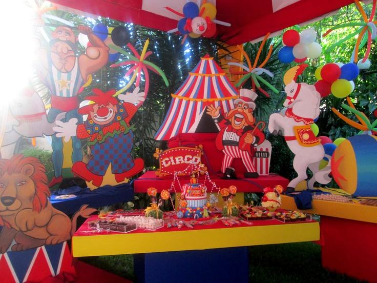 Mesa de la torta fiesta de circo decoraci n fiestas for Decoracion mesas fiestas