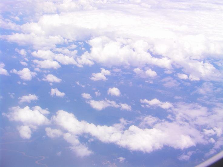 雲是風的花朵  在季節之外開落    而我是與你心情無緣的落寞