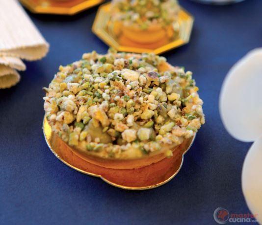 Tartellette alla crema di ricotta con pistacchi di Bronte pralinati