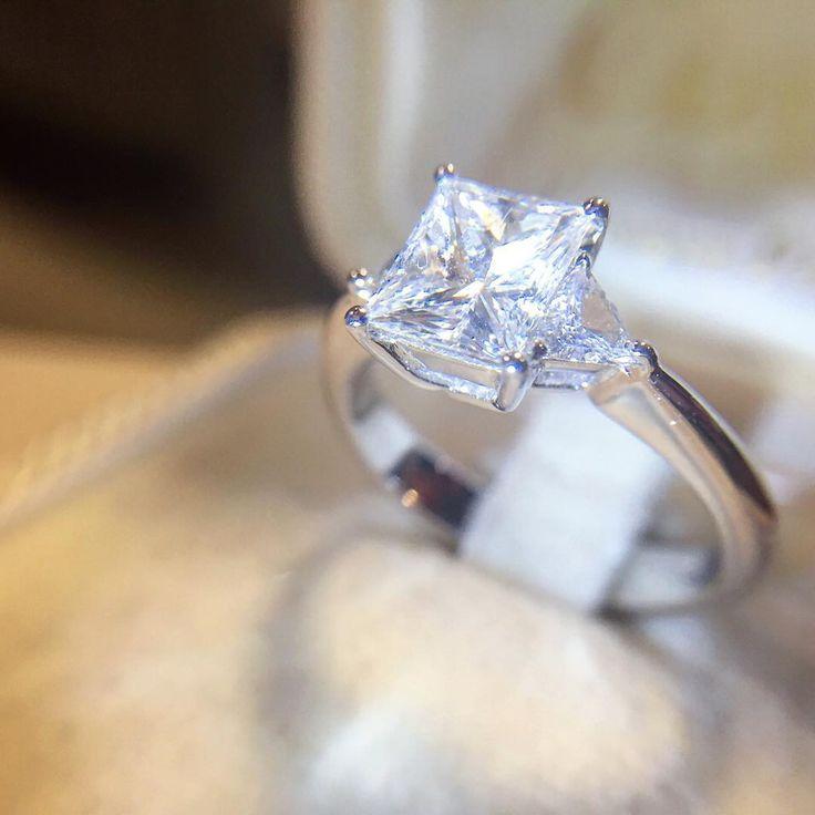 Anello solitario in oro bianco con diamante princess 1 ...