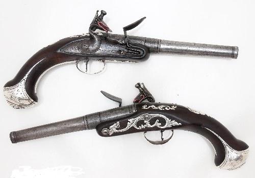 Antique Firearms Queen Anne Cannon barrel pistols