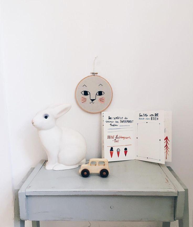 """Gefällt 72 Mal, 3 Kommentare - Jenny (@miniflamingo_shop) auf Instagram: """"Lieblingsteilchen Ist die Katze nicht süß? Mega schön das Kleinkind Buch von @gretasschwester…"""""""