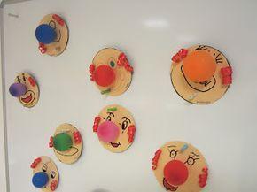 Clowns mit Luftballonnasen für Karneval basteln