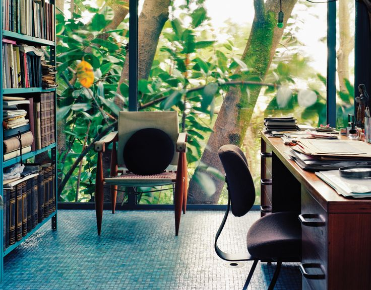 Beautiful image of interior of Lina Bo Bardi's Casa de Vidro Found on John-Roe Luna's very good tumblr
