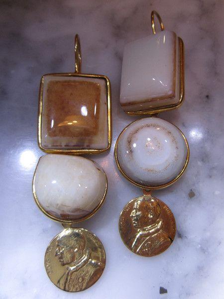 Chandeliers - Ohrringe Onyx Mondstein Unikat Muenze Achat Gold - ein Designerstück von TOMKJustbe bei DaWanda
