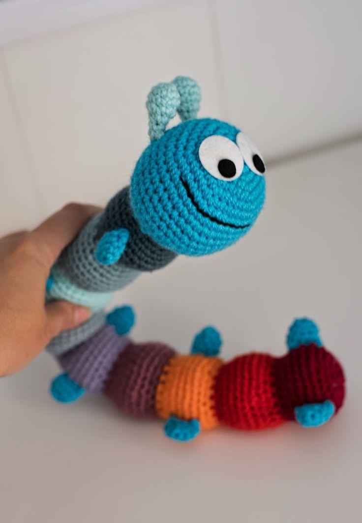 """El Gallo Bermejo: Patrón de un """"diezpiés"""" - Bug crochet pattern"""