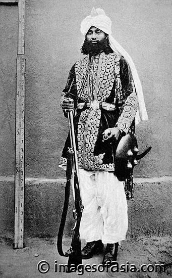 Pakistan. A Brahui Chief, 1910. The Brahuis are a Baluchi tribe who speak a Dravidian language, similar to those spoken in South India (like Tamil). Although the Dravidian they speak is very old and suffused with words from   surrounding Pushto, Baluchi and Sindhi languages, this linguistic connection makes many scholars believe that they are somehow connected to the ancient Indus people who might have spoken a Dravidian language although this is far from proven.
