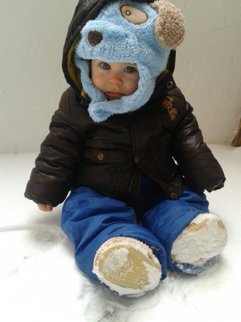 first snow, blue eyes, red nose