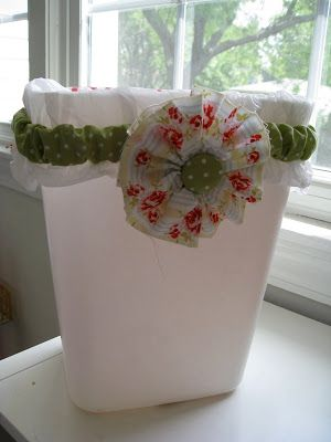 Sweet Floweret: Little Garbage Can Bag Holder Upper Tutorial