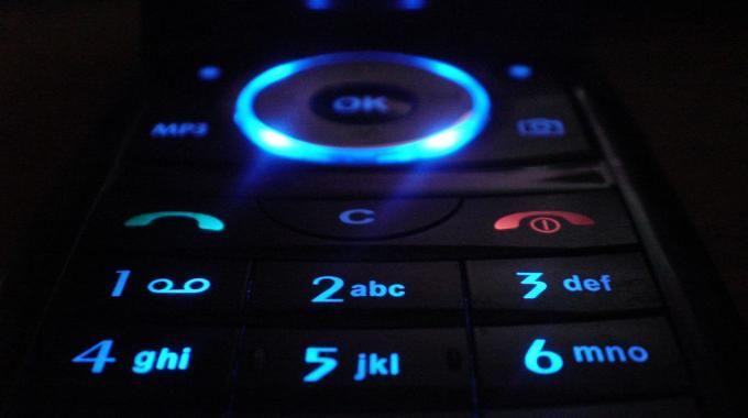 Vous arrivez à la fin de votre forfait mobile et vous désirez le résilier ? Voici un petit coup de pouce pour rédiger votre lettre afin d'éviter la tacite reconduction, c'est-à-dire un renouvellement d'abonnement automatique.  Découvrez l'astuce ici : http://www.comment-economiser.fr/lettre-type-resilier-forfat-mobile-tacite-reconduction.html?utm_content=buffer90607&utm_medium=social&utm_source=pinterest.com&utm_campaign=buffer