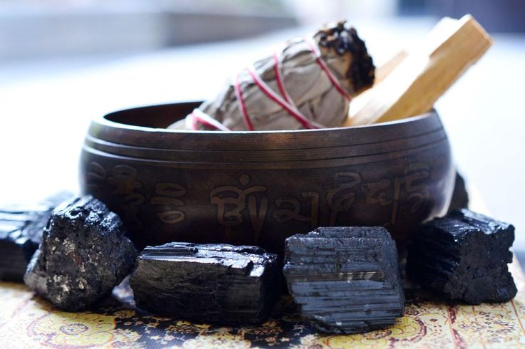 Out With The Old & In With The New! Happy New Year! Learn how to remove negative energy from your home with these 5 simple cleansing rituals using sage cleansing, black tourmaline, sound, salt and/or protection crystals.