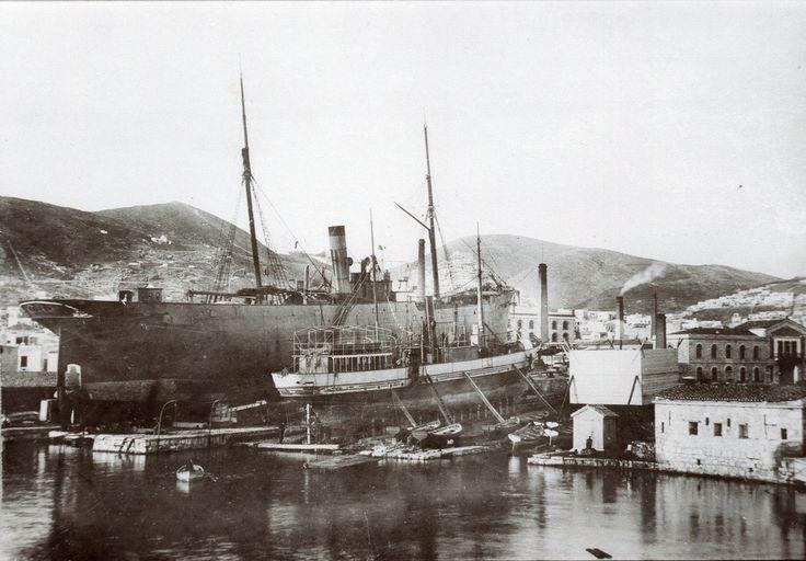 Το νεότευκτο ατμόπλοιο DESPINA G.MICHALINOS, κατασκευής 1907, στο Sunderland. / The steamship DESPINA G. MICHALINOS, built in 1907 for Michalinos & Co., Piraeus, pictured in Sunderland docks.