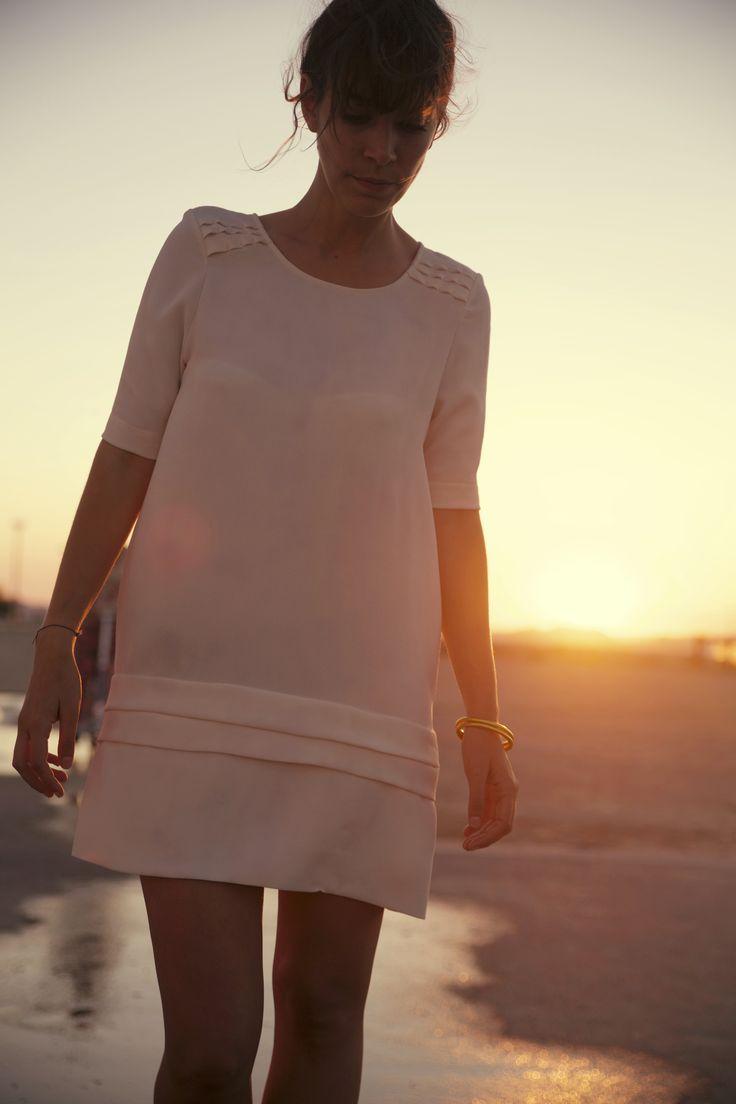 cozete - robe josy nacre - www.cozete.com - credit photo: Charlotte Lapalus #cozete #robe #robeete #summerdress