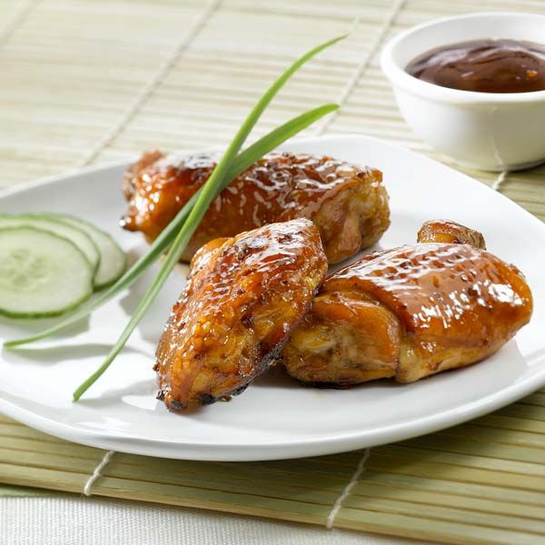 Preheat oven to 375°F (190°C). Spray broiler pan and drip pan with PAM® Original Cooking Spray. Place chicken on broiler pan. Peel back skin from each thigh to generously brush underneath skin with VH® Honey Garlic Cooking Sauce. Replace skin and brush top. Bake for 40 minutes. Brush remaining sauce on skin twice more during … Continue reading Peking Chicken →