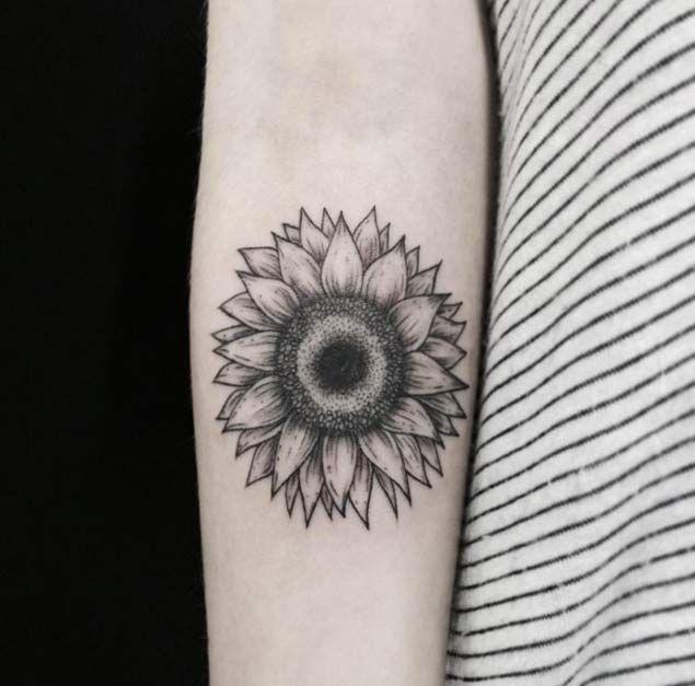 Sunflower Tattoo Design by Fernanda Prado