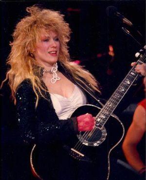 女性ロック・ギタリストといえばこの人!ナンシー・ウィルソン♡