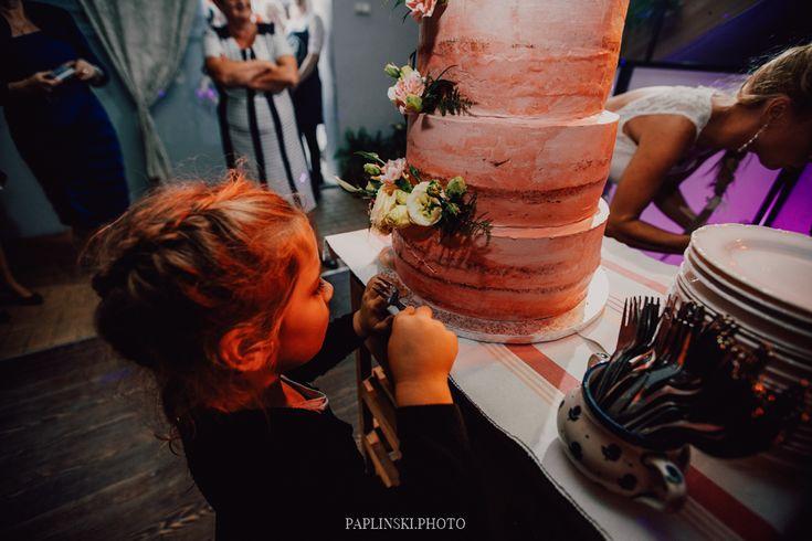 tort rustykalny, tort z kwiatami