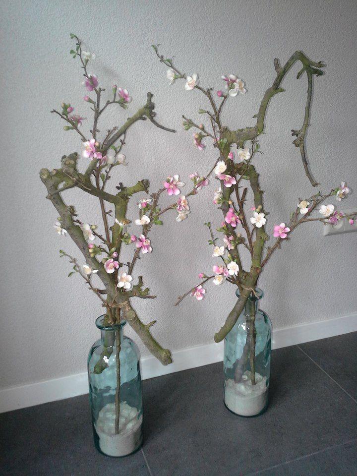 Decoratietakken en zijde bloemen, makkelijk en mooi.  Dit alles is verkrijgbaar op webshop www.decoratietakken.nl