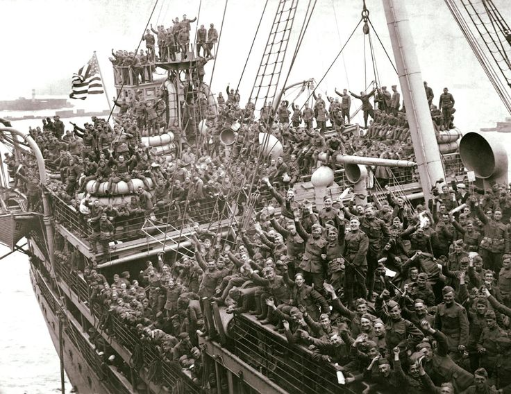 American Soldiers returning home from World War I on the USS Agamemnon, New Jersey, 1918