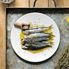 Gegrilde sardines met olijfolie en zeezout - recept - okoko recepten