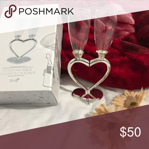 ❤️ Couples Champagne Glass ❤️ ❤️ Couples Champagne Glass set ❤️. Perfect for couples to celebrate Valentines day. This is still NEW with a box. *feel free to make a reasonable offer Other