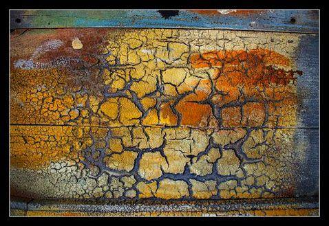 exemple de craquelure possible avec peinture craquelee sur porte ou meuble Comment faire une peinture craquelée avec des restes de peinture                                                                                                                                                                                 Plus