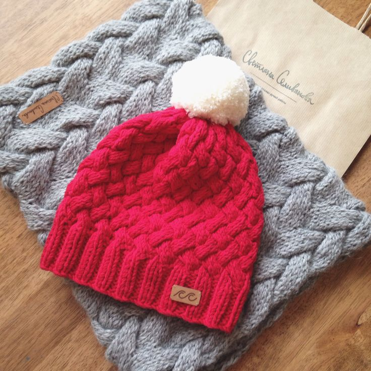 Knitted hat and cowl